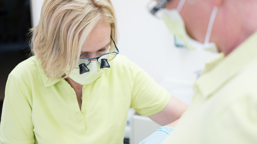 Zahnarzt Köln-Longerich ++ Implantologie